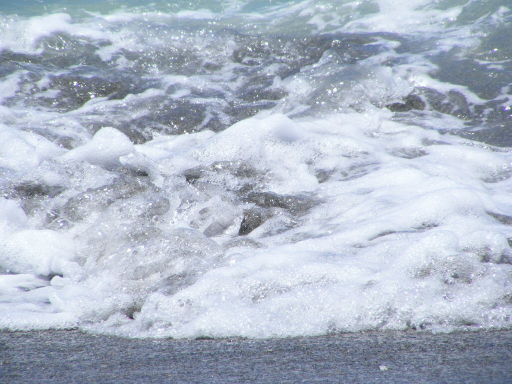 Foamy Florida Beach Water Using my Zoom lens on a Bright Sunny Day (2)
